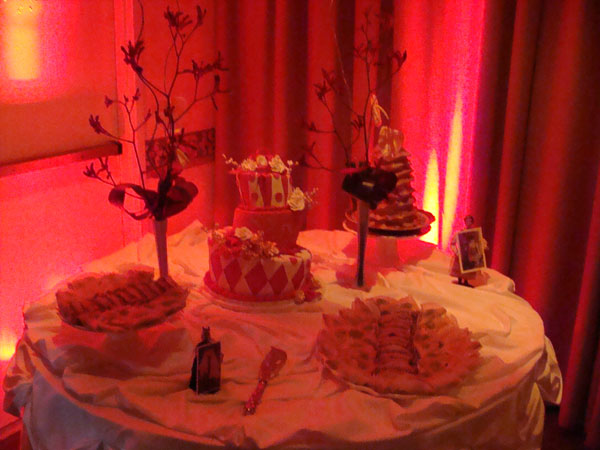 Island-Club-Wedding-Reception-Up-lights-cake