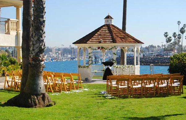 Marina-Suites-Wedding--ceremony