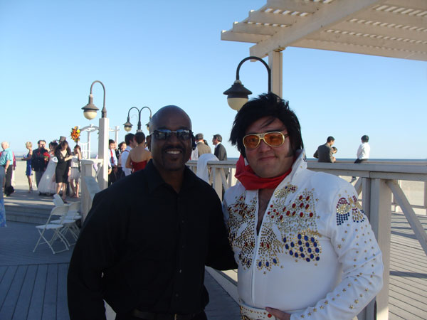 breakers-beach-wedding-ceremony-elvis-officiant