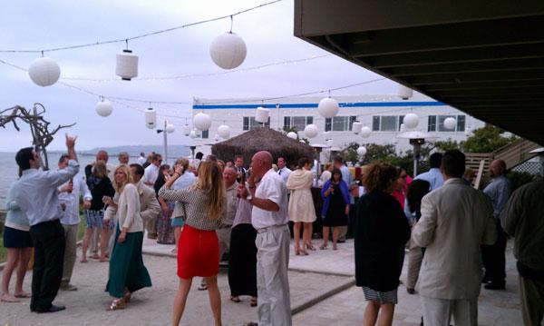 oceanview-villas-reception-dancing-mydjs