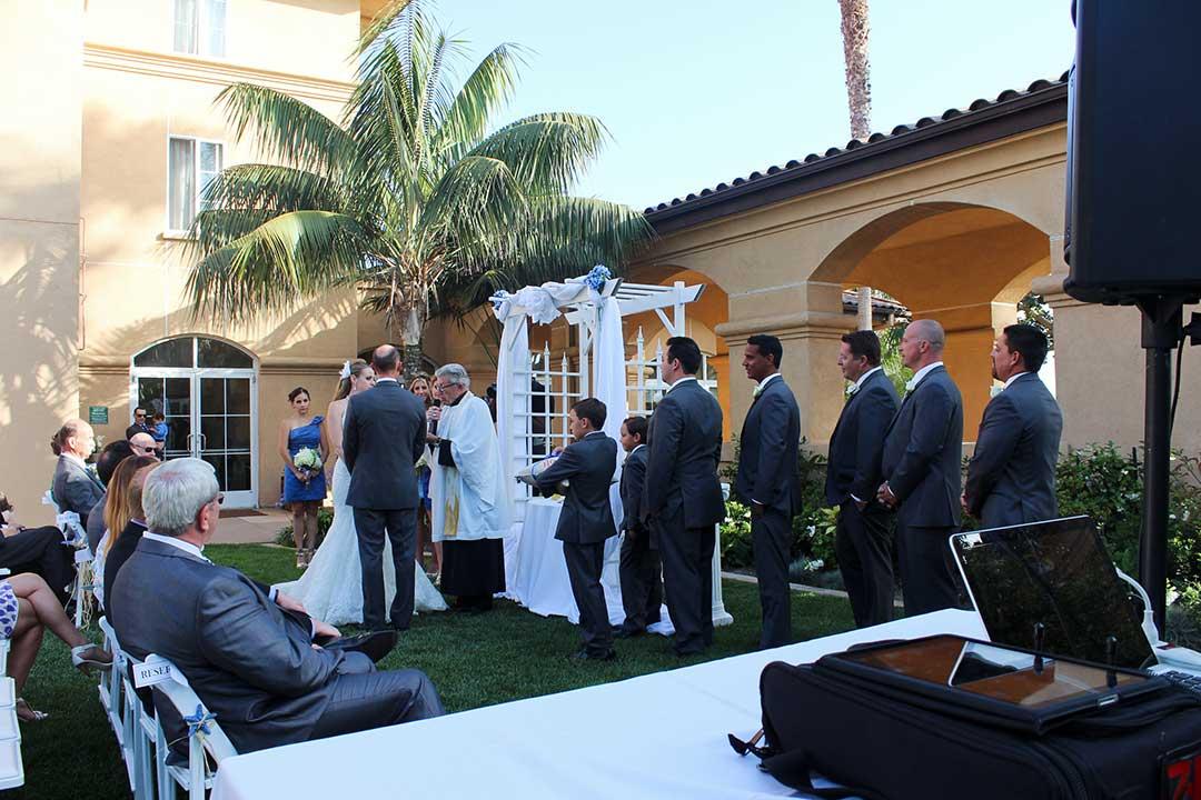 My Djs Wedding Ceremony Setup At Hilton Garden Inn Carlsbad San