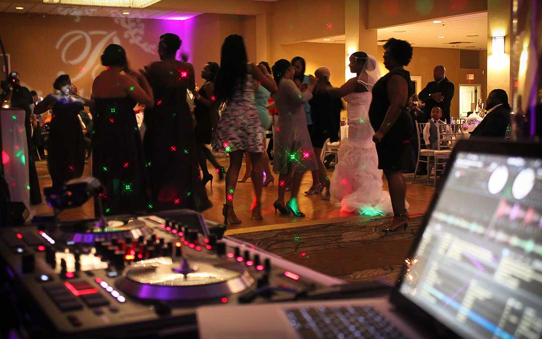 average wedding reception dj cost